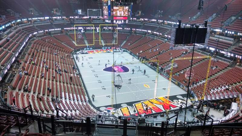 Seating view for Honda Center Section 425 Row M Seat 8
