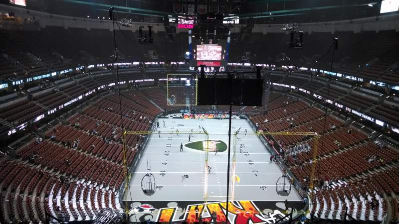 Seating view for Honda Center Section 423 Row M Seat 8