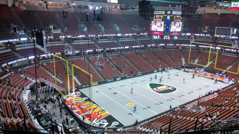 Seating view for Honda Center Section 418 Row M Seat 8