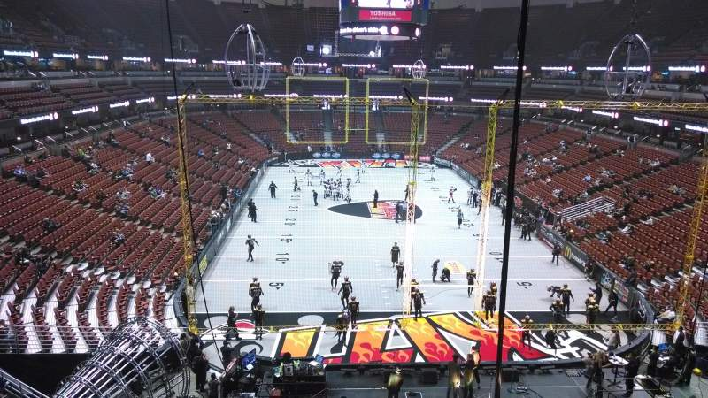 Seating view for Honda Center Section 424 Row M Seat 8