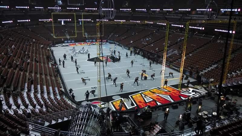 Honda Center, section: 426, row: M, seat: 8