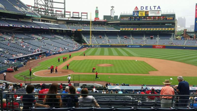 Seating view for Turner Field Section 207r Row 7 Seat 6
