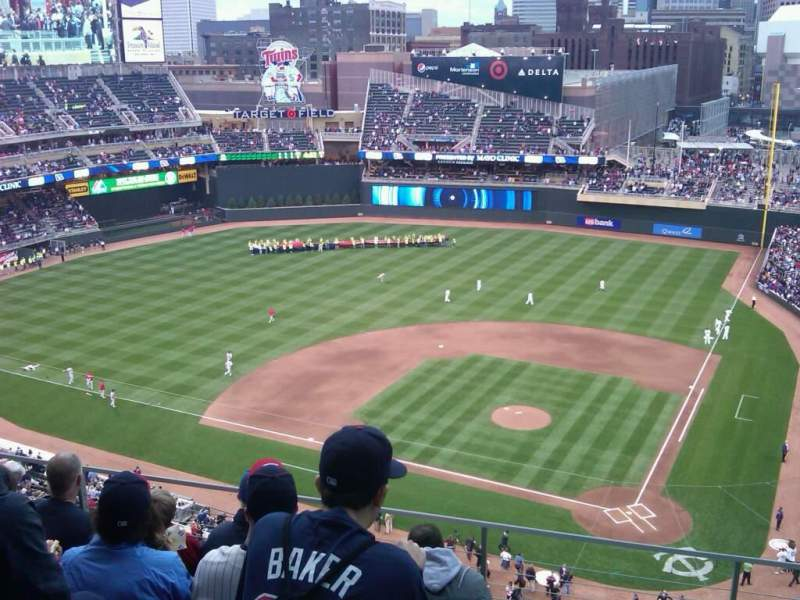 Seating view for Target Field Section 318 Row 5