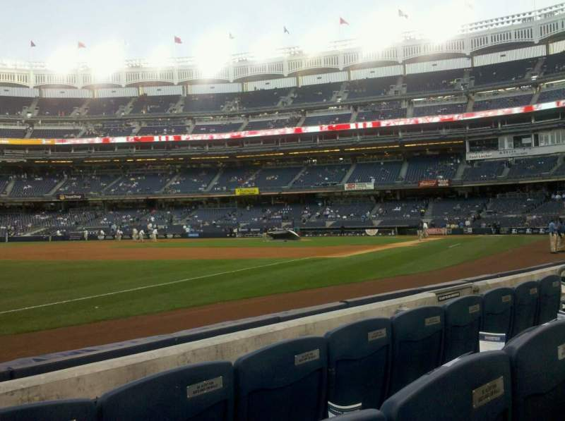 Seating view for Yankee Stadium Section 27b Row 4 Seat 10