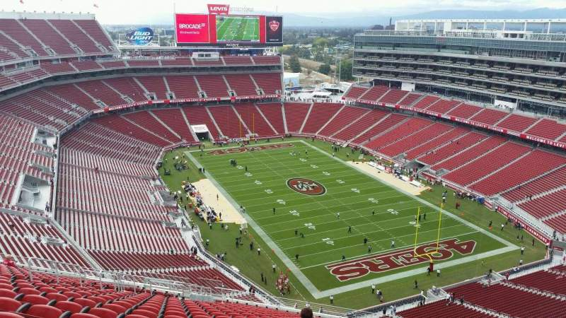 Seating view for Levi's Stadium Section 402 Row 22 Seat 10