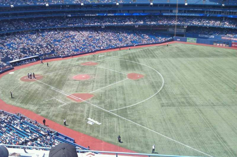 Rogers Centre, section: 513L, row: 8, seat: 107