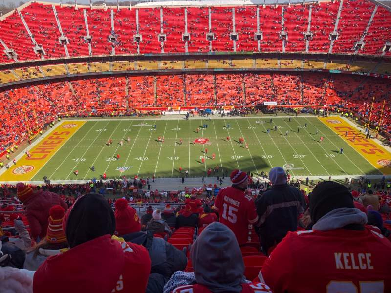 Seating view for Arrowhead Stadium Section 324 Row 19 Seat 10