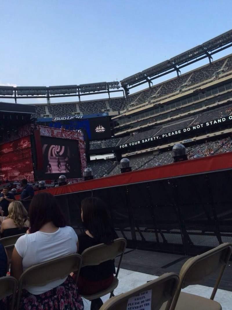 Metlife Stadium, section: 9, row: 9, seat: 41