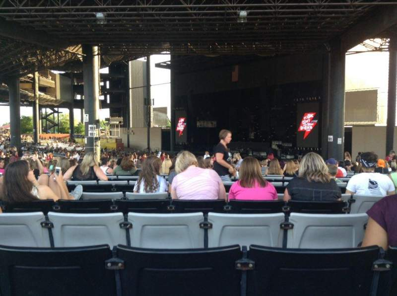 hollywood casino amphitheatre tinley park section 203 row lll seat 18 5 seconds of summer. Black Bedroom Furniture Sets. Home Design Ideas