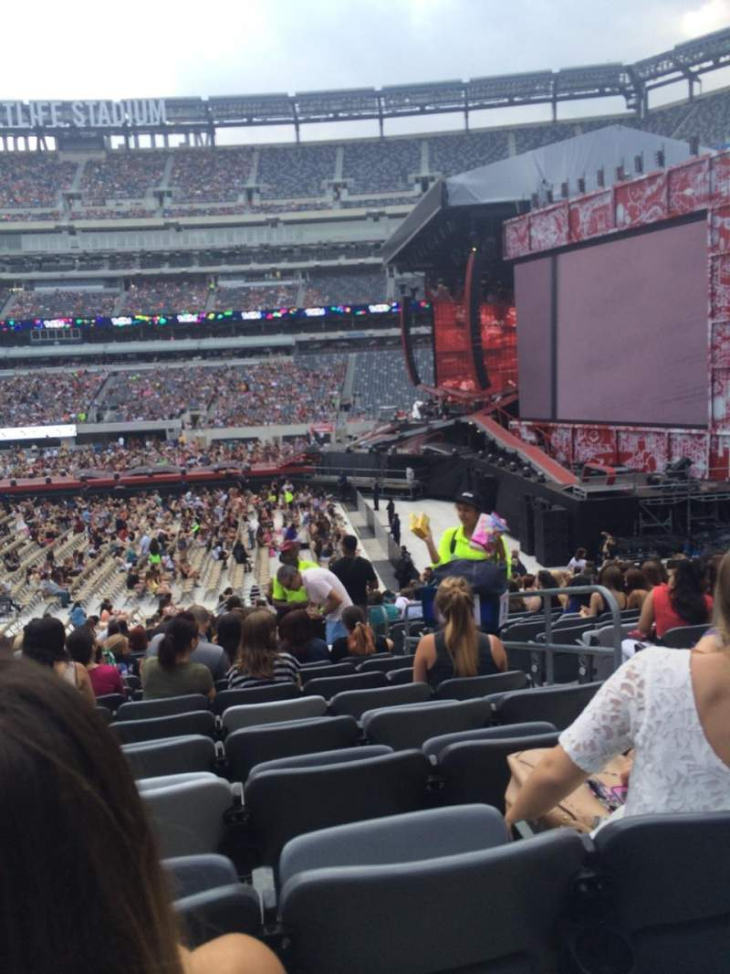 Seating view for Metlife Stadium Section 111A Row 23 Seat 3/4