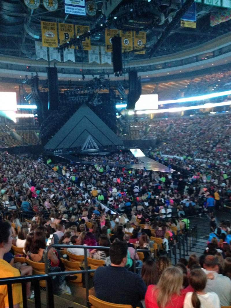Td Garden Section Loge 8 Row 19 Seat 21 Katy Perry Tour Prismatic World Tour Shared By