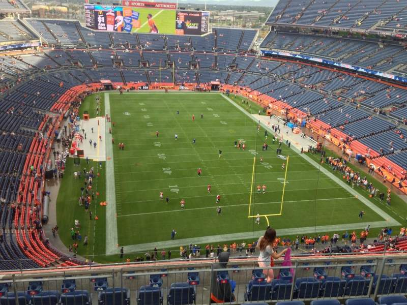 Seating view for Sports Authority Field at Mile High Section 524 Row 8 Seat 7
