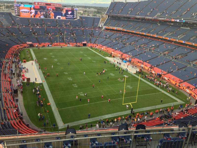 Seating view for Sports Authority Field at Mile High Section 526 Row 7 Seat 3