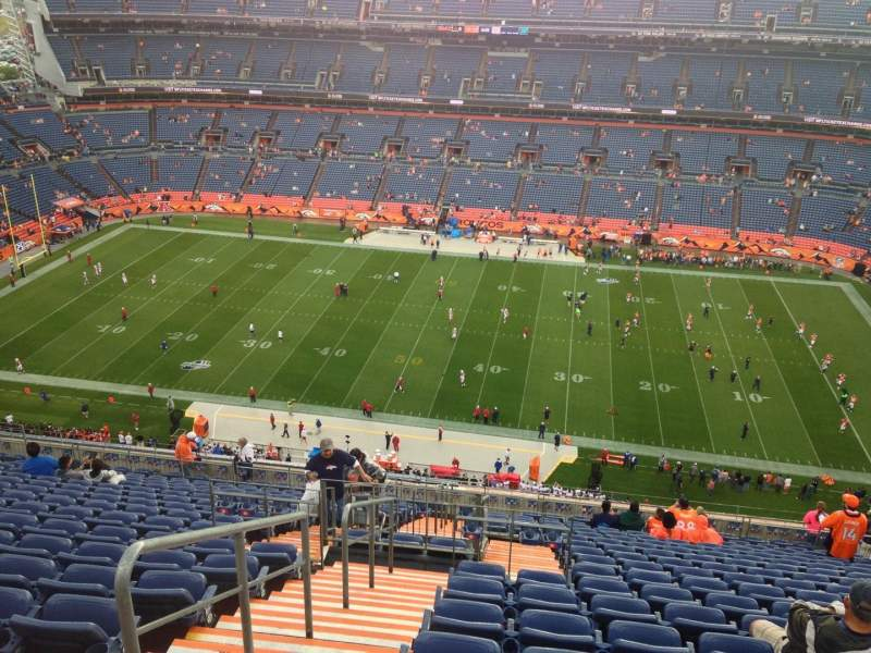 Seating view for Sports Authority Field at Mile High Section 533 Row 21 Seat 8