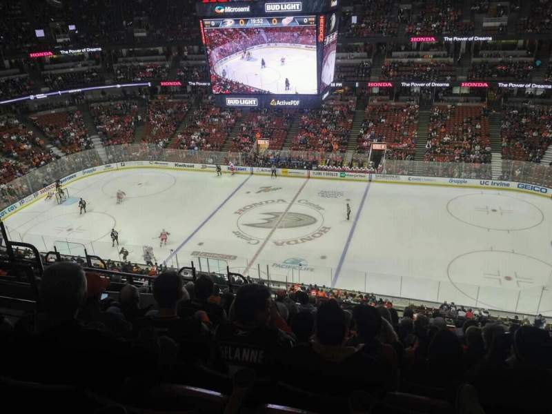 Seating view for Honda Center Section 432 Row M Seat 6
