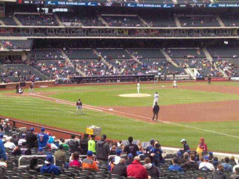 Seating view for Citi Field Section 109 Row 25 Seat 18