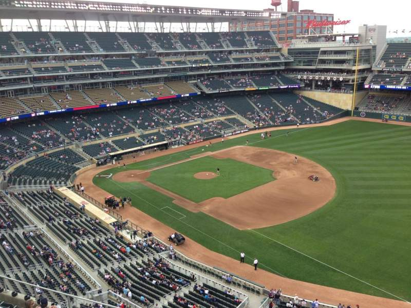Seating view for Target Field Section 305 Row 1 Seat 4