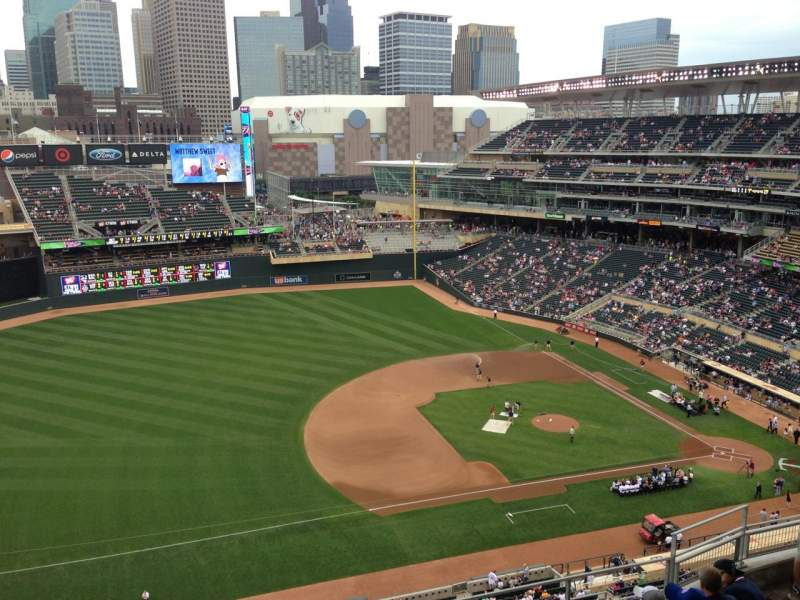 Seating view for Target Field Section 322 Row 8 Seat 12