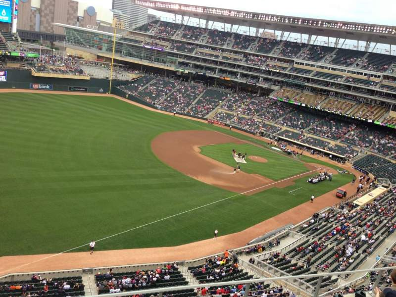 Seating view for Target Field Section 227 Row 5 Seat 8