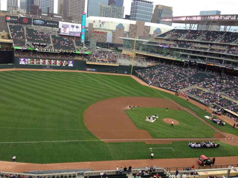 Seating view for Target Field Section 223 Row 5 Seat 11