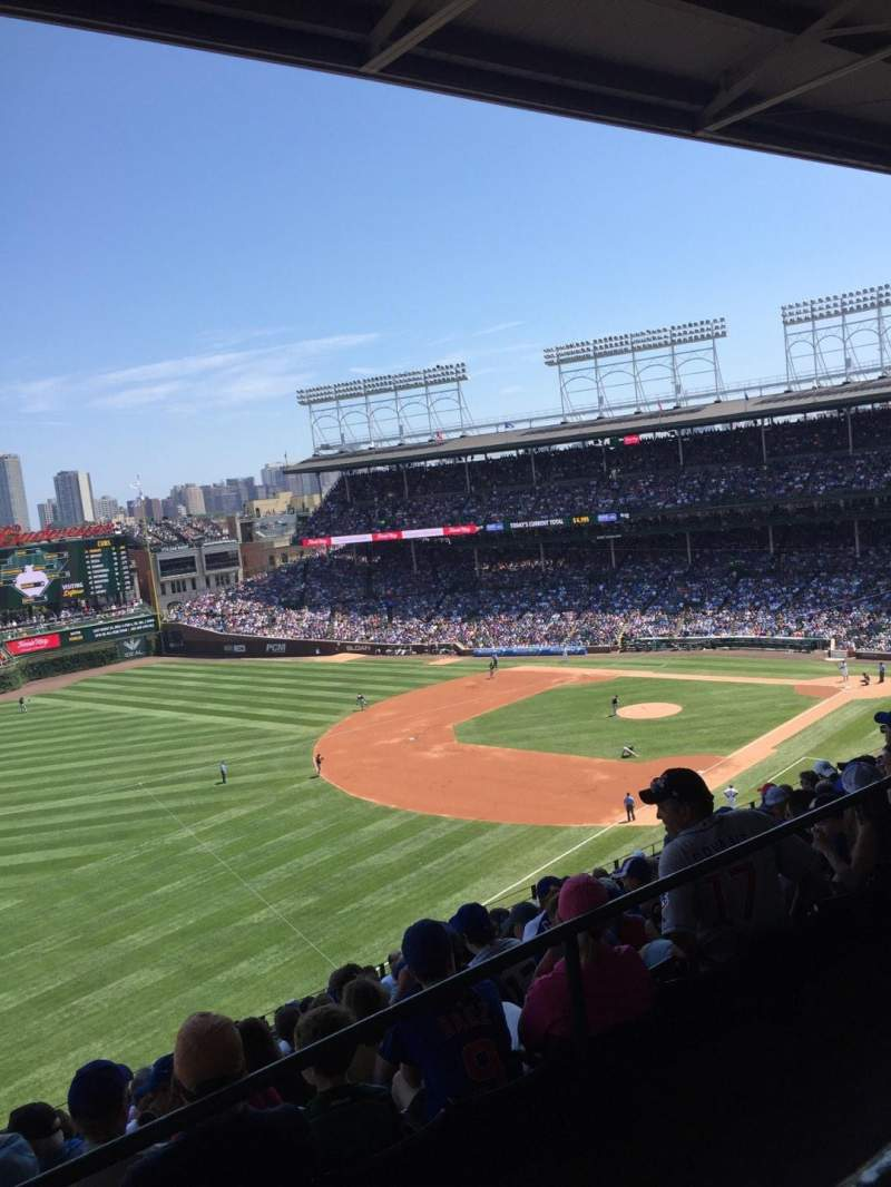 Seating view for Wrigley Field Section 505 Row 1 Seat 104