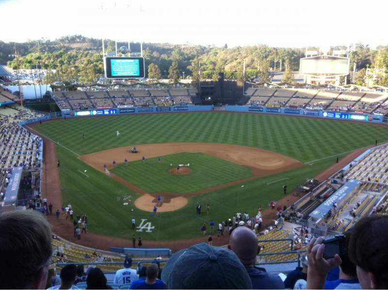 Seating view for Dodger Stadium Section 4RS Row L Seat 17