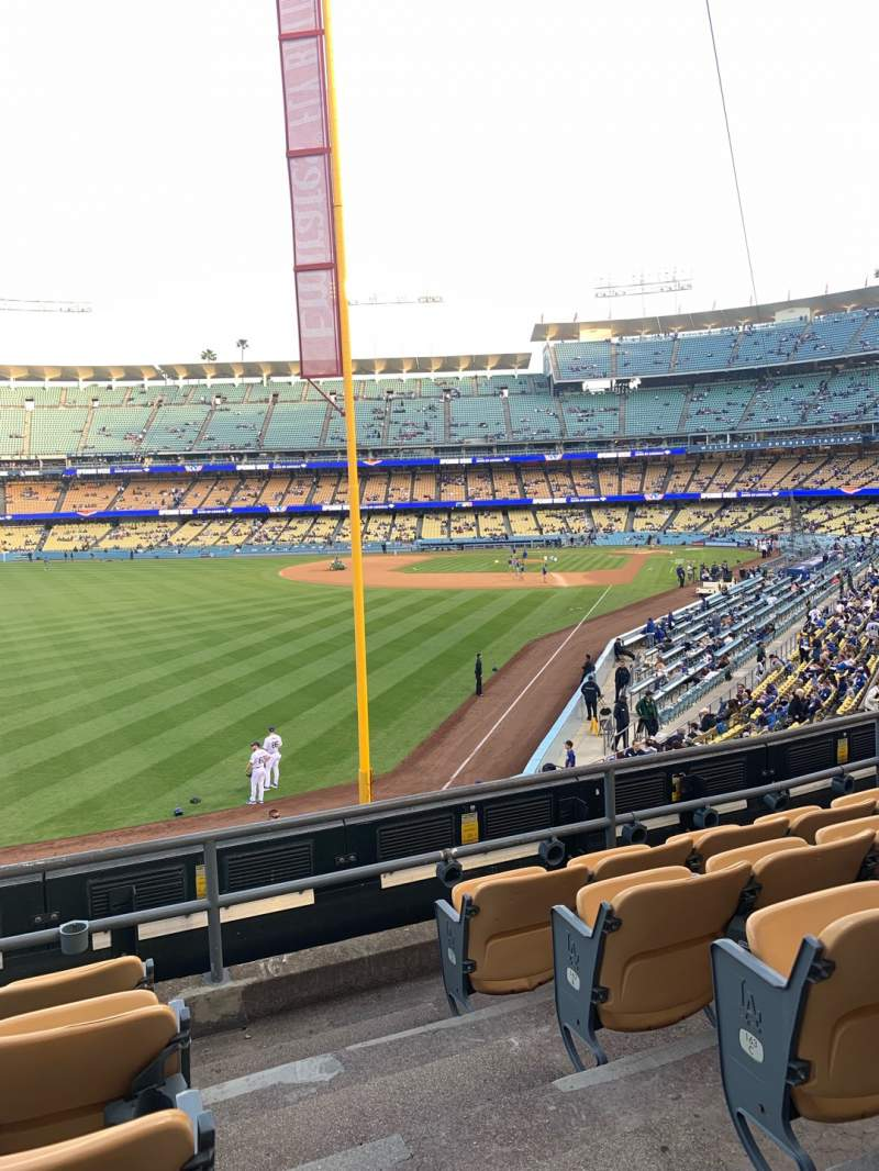 Seating view for Dodger Stadium Section 165LG Row E Seat 1