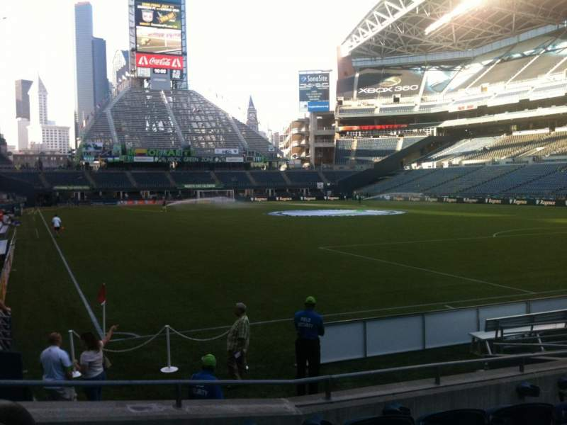 CenturyLink Field, section: 126, row: R, seat: 11