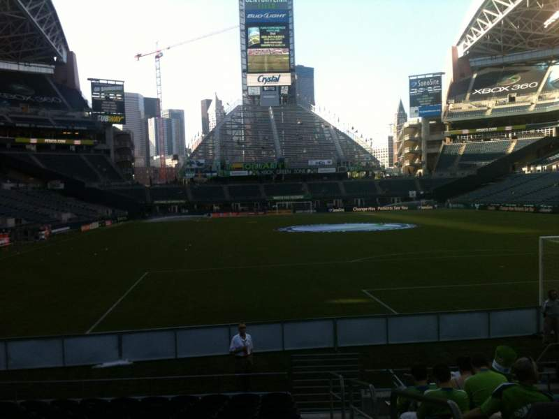 Seating view for CenturyLink Field Section 124 Row M Seat 1