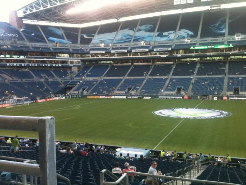 Seating view for CenturyLink Field Section 208 Row A Seat 16