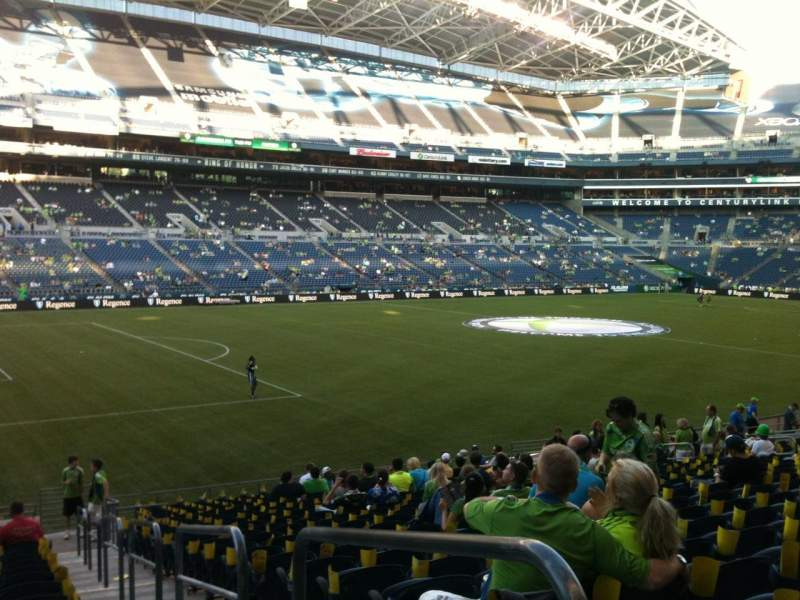 Seating view for CenturyLink Field Section 140 Row Y Seat 1