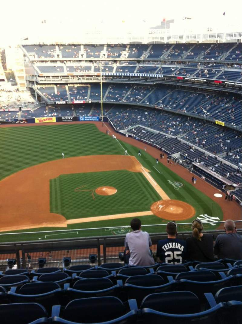 Seating view for Yankee Stadium Section 425 Row 6 Seat 14