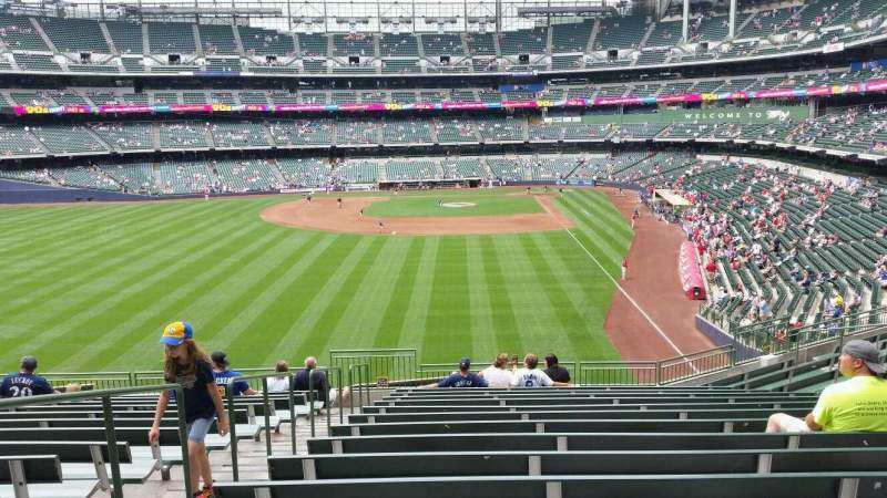 Seating view for Miller Park Section 234 Row 15 Seat 24