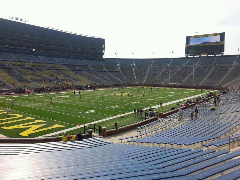 Seating view for Michigan Stadium Section 29 Row 30 Seat 10