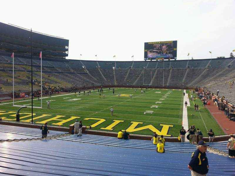 Seating view for Michigan Stadium Section 32 Row 30 Seat 9