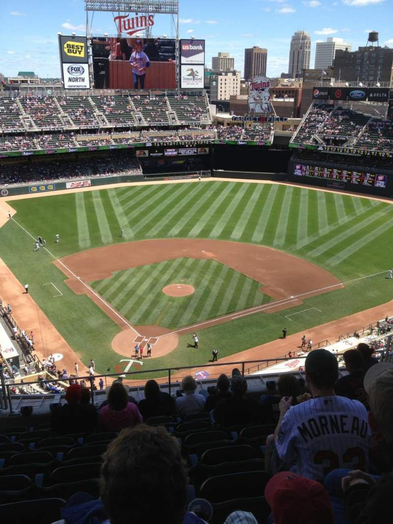 Seating view for Target Field Section 313 Row 9 Seat 14