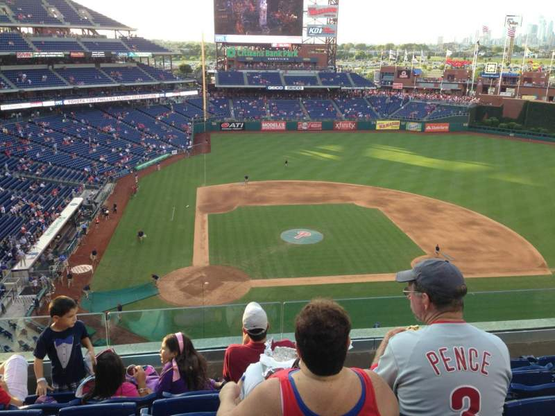 Seating view for Citizens Bank Park Section 317 Row 6 Seat P