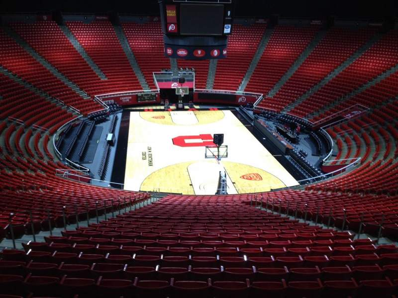 Seating view for Jon M. Huntsman Center Section uu Row 1 Seat 18