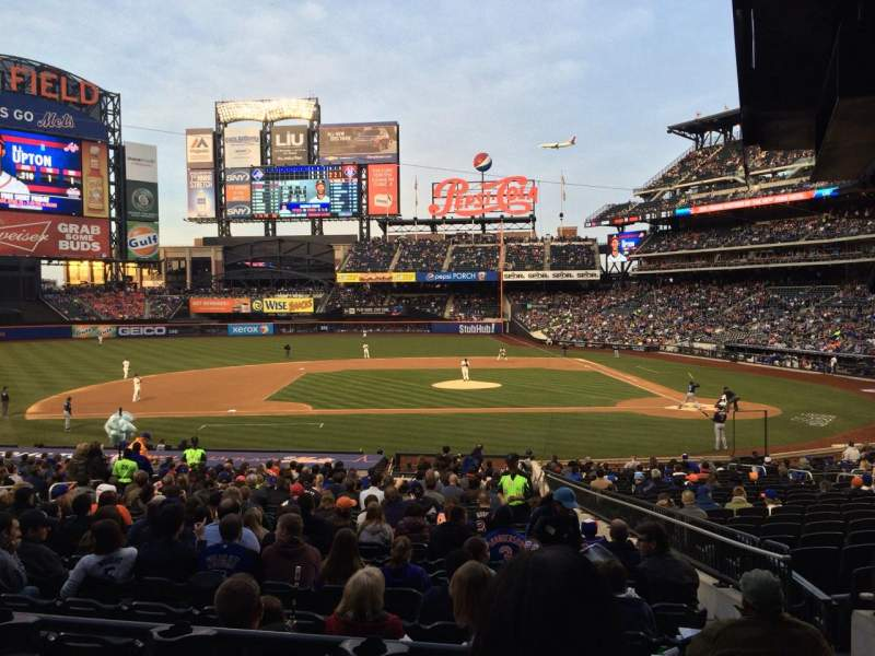 Seating view for Citi Field Section 121 Row 25 Seat 1