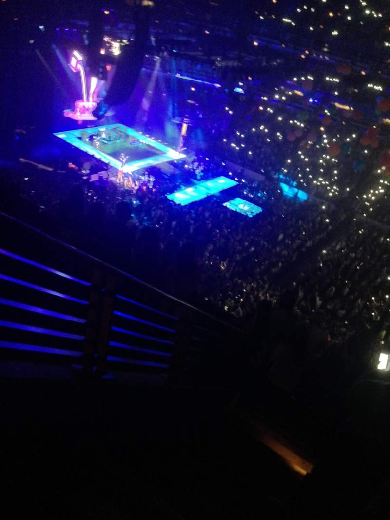 united center, section: 316, row: 8, seat: 4