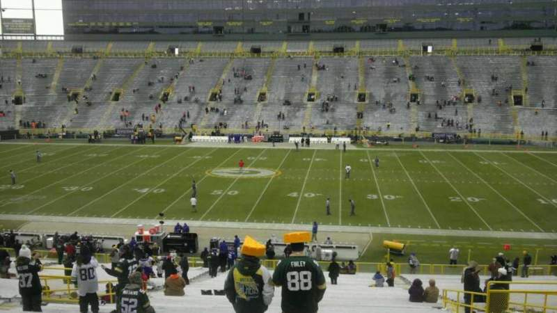 Seating view for Lambeau Field Section 117 Row 50