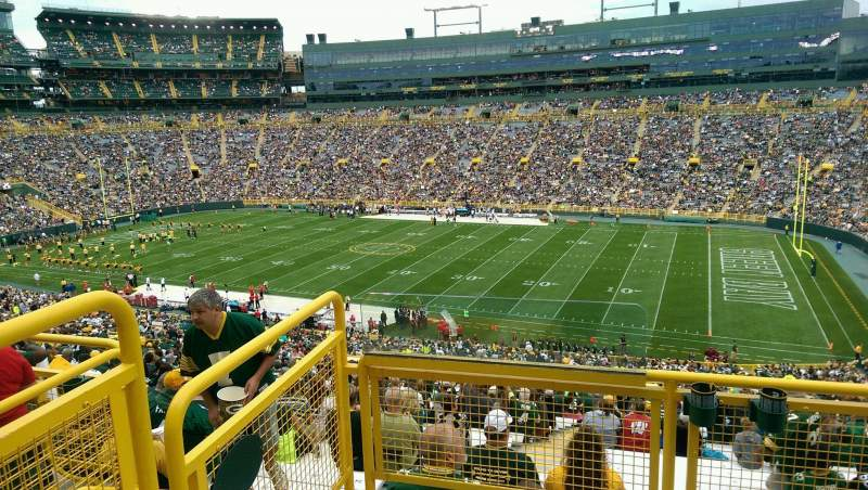 Seating view for Lambeau Field Section 412 Row 3 Seat 1