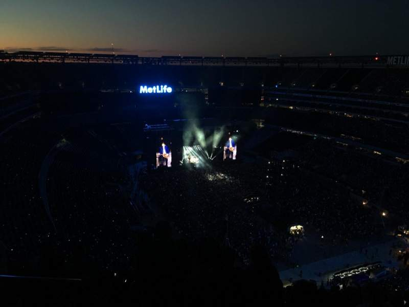 Seating view for MetLife Stadium Section 330 Row 26 Seat 28
