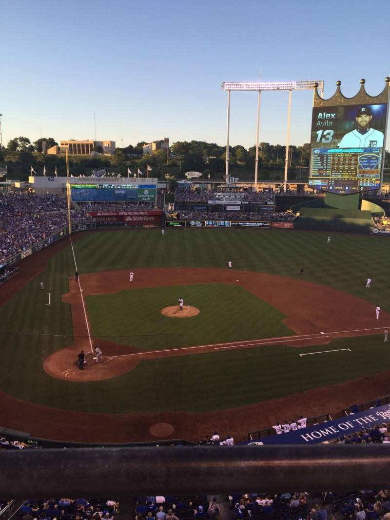 Seating view for Kauffman Stadium Section 425 Row A Seat 9