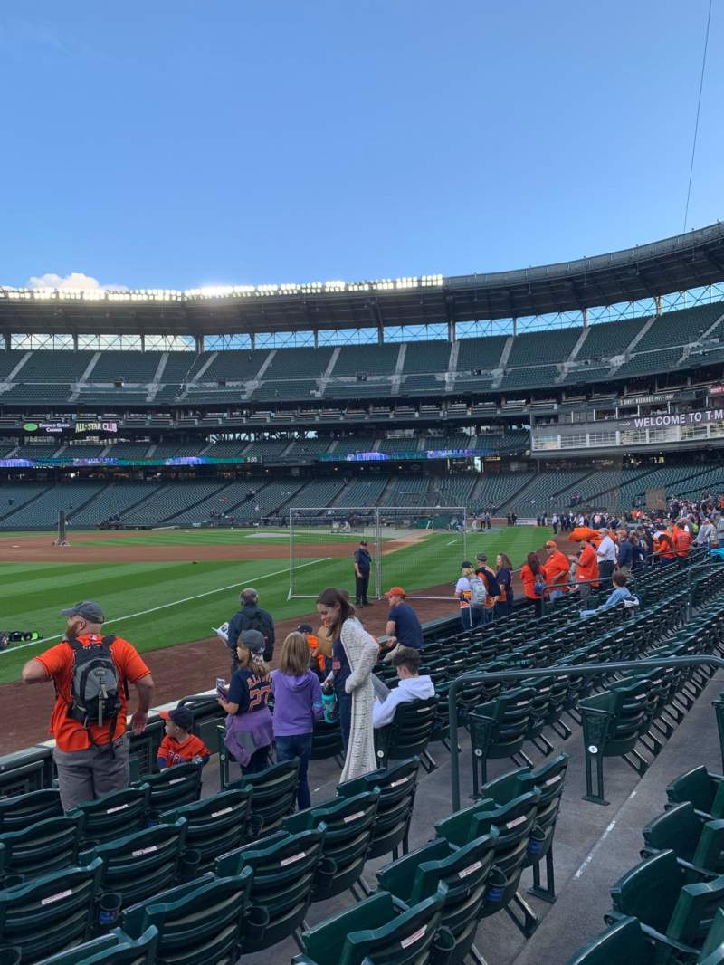 Seating view for T-Mobile Park Section 146 Row 7 Seat 9