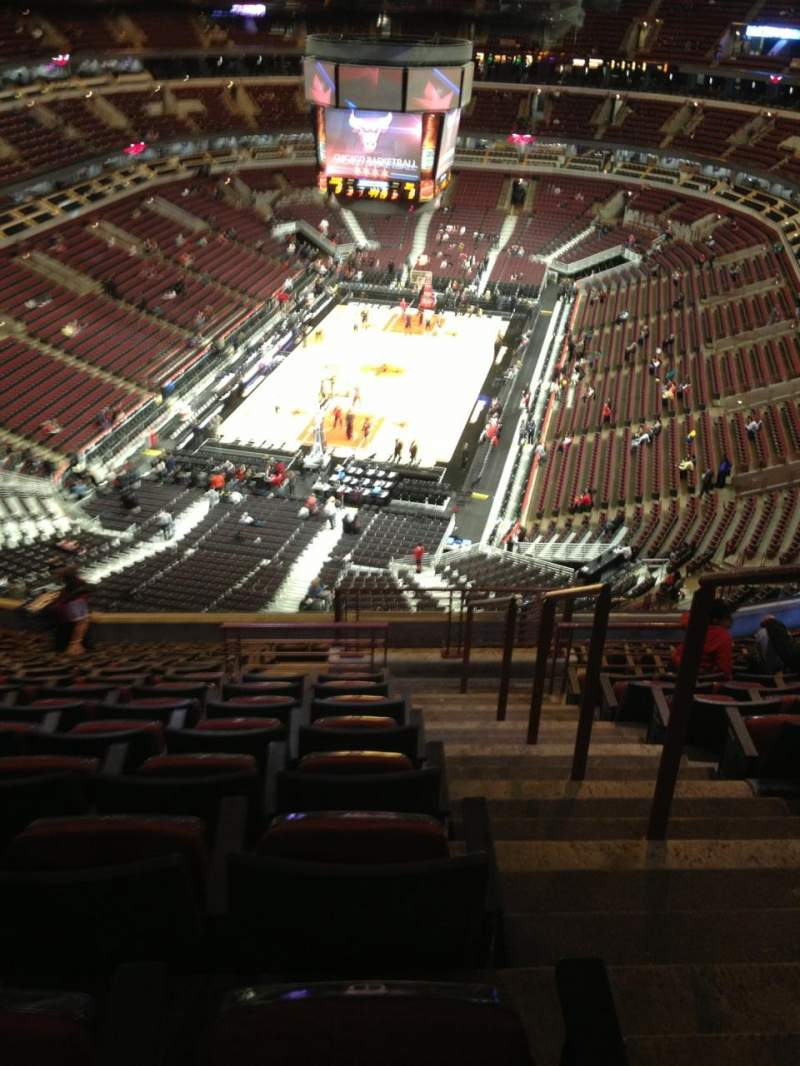 Seating view for United Center Section 325 Row 16 Seat 1