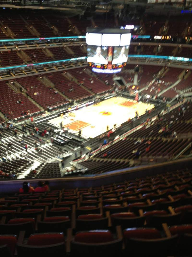 Seating view for United Center Section 322 Row 11 Seat 15