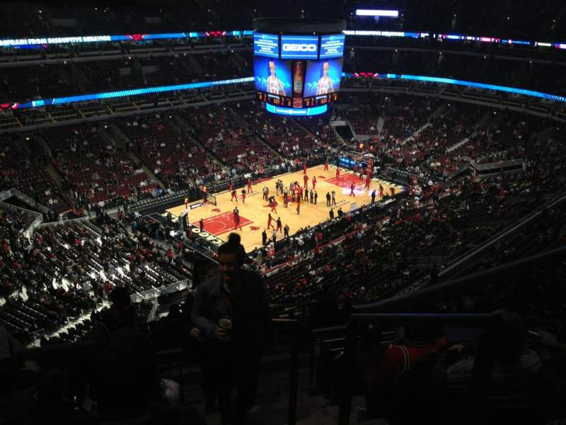 Seating view for United Center Section 305 Row 14 Seat 1