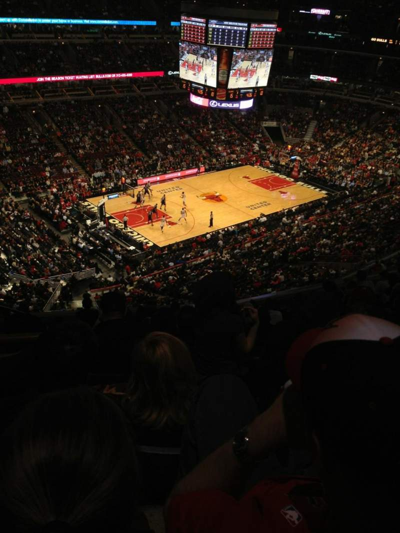 Seating view for United Center Section 321 Row 11 Seat 19