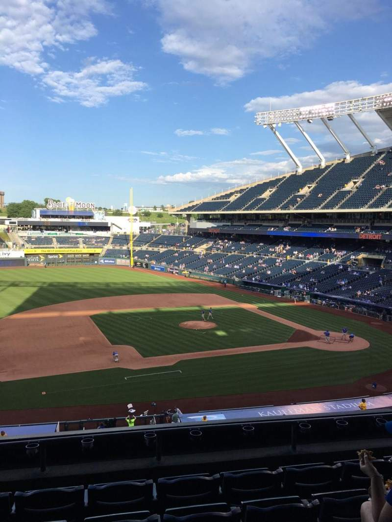 Seating view for Kauffman Stadium Section 305 Row F Seat 6